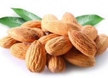 Чем полезны абрикосовые косточки для человека?