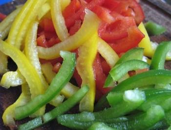 Как вкусно приготовить свежий болгарский перец?