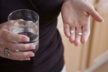 Несмотря на диету больным сахарным диабетом важно вовремя принимать лекарства
