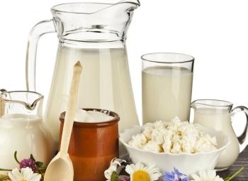 В диету при подагре полезно включать нежирные молочные продукты