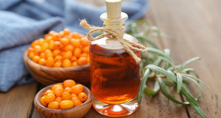 Польза и вред облепихового масла для здоровья. Маски для волос и лица