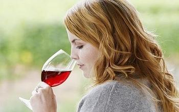 Полезные свойства и химический состав красного вина