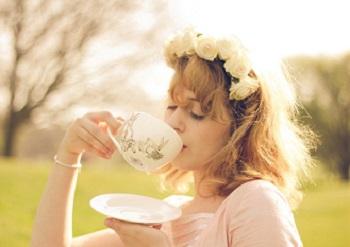 Когда и в каком виде лучше употреблять чай с молоком
