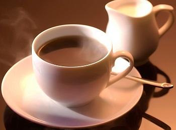 Чем полезен кофе с молоком - особенности влияния напитка на организм человека