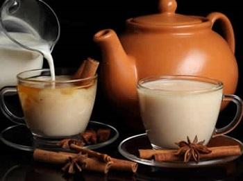 О пользе и вреде черного чая с молоком и его целебные свойства