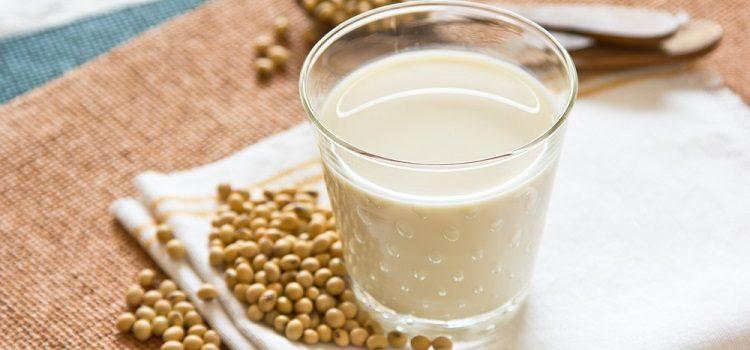 О пользе и вреде соевого молока - его полезные свойства и противопоказания