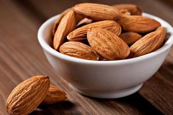 Полезные свойства миндального ореха и содержание веществ в этом продукте