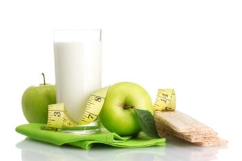 Плюсы и минусы диеты на кефире и яблоках