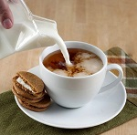 Польза чая с молоком и противопоказания к употреблению