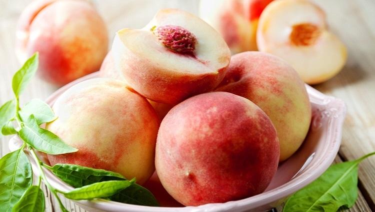 Полезные свойства персиков для организма женщин, мужчин и детей