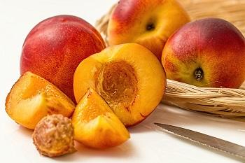 Правила выбора и условия хранения персиков для сохранения свойств фруктов