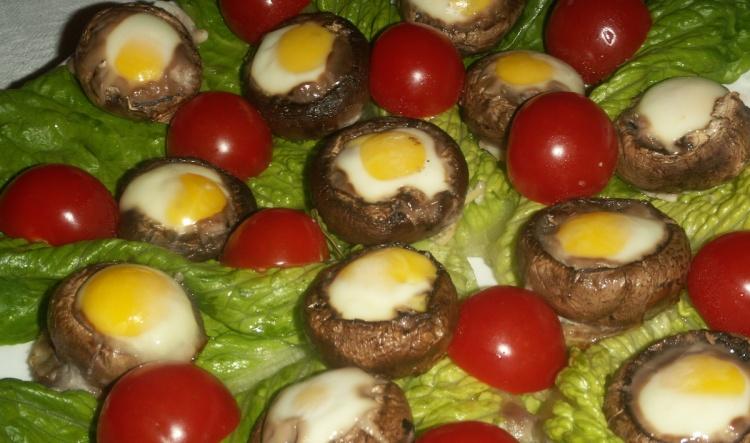 Перепелиные яйца с шампиньонами
