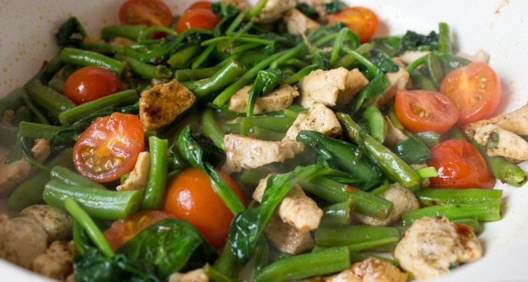 Салат с вареным минтаем, польза и вред рыбы
