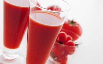 Польза и вред томатного сока, противопоказания и меры предосторожности