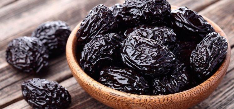 Чернослив: польза и вред для организма, применение в кулинарии и народной медицине