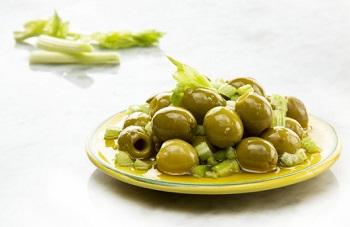 Как правильно выбирать и хранить оливки - полезные советы