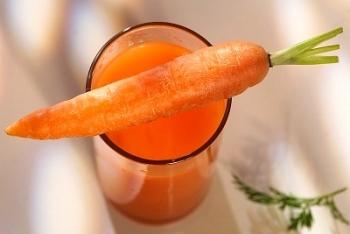 Приготовленный морковный сок