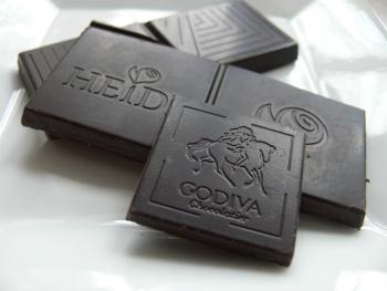 Горький шоколад: его польза и вред, правила выбора качественного продукта
