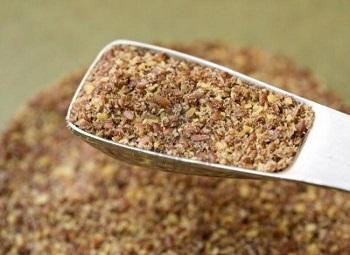 Полезные свойства льняной муки, и как правильно выбирать продукт