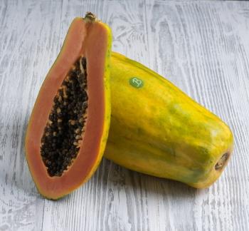 Полезные свойства папайи, советы по выбору качественного продукта