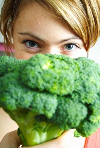 Польза и вред капусты брокколи для мужчин, женщин и детей