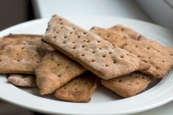 Хлебцы: польза и вред, рецепт приготовления в домашних условиях