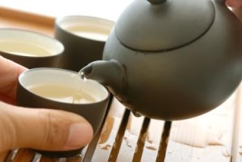 Белый чай: польза и вред, полезные свойства для организма человека