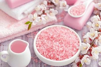 Полезна ли гималайская розовая соль в детском и пожилом возрасте