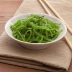 Ответ на вопрос, чем полезен салат чука из морских водорослей