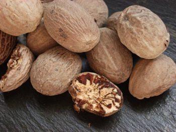 Полезные свойства мускатного ореха