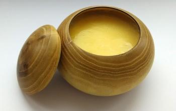 Сравнение полезности домашнего и магазинного топленого масла
