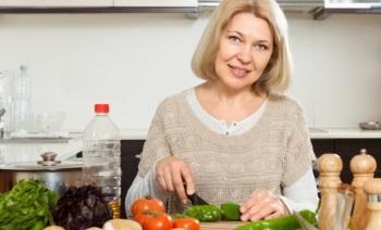 Особенности диеты для похудения для женщин после 45 лет