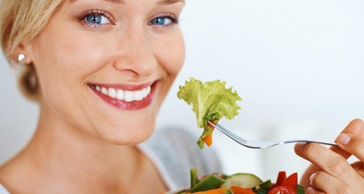 Питание после кесарева сечения для кормящей матери в первые дни, диета в первый месяц после операции (список продуктов)