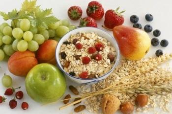 Овсянка и свежие фрукты