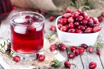 Клюквенный сок, полезные свойства для здоровья
