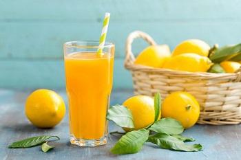 Как приготовить самостоятельно лимонный сок