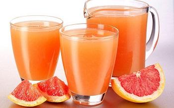 Полезные свойства грейпфрутового сока и его калорийность