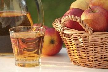 Противопоказания яблочного сока, возможный вред