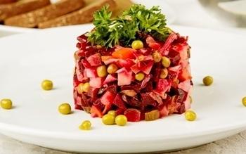 Среди блюд диеты номер 5 можно особенно выделить по полезности овощной винегрет