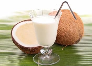 Чем полезно кокосовое молоко для здоровья человека