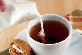 О полезных свойствах для организма человека черного чая с молоком