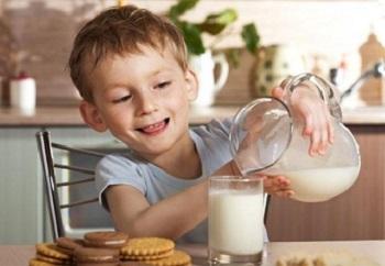 В чем польза козьего молока и его целебные свойства для организма