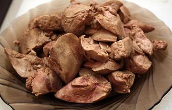Полезные свойства куриной печени и список содержащихся в ней микроэлементов