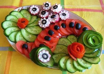 Правила питания при соблюдении диеты на огурцах и помидорах, чем полезны эти овощи