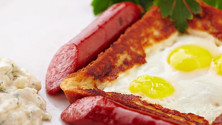 Гренки с перепелиными яйцами - польза и вред для женщин