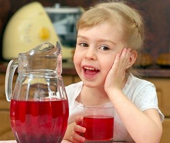 Полезен ли отвар шиповника для детей