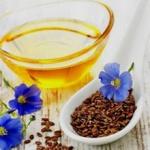 Чем полезно удивительное льняное масло для организма женщин