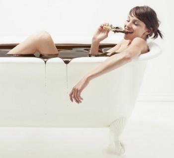 Горький шоколад: его польза и вред, использование в косметологии