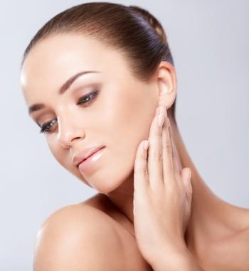 Чернослив: польза и вред для организма, применение в косметологии