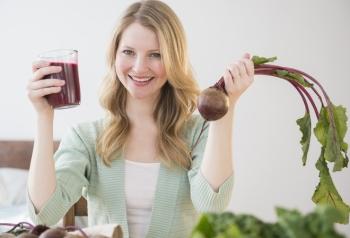 Свекольный сок: его польза и вред для беременных и кормящих женщин